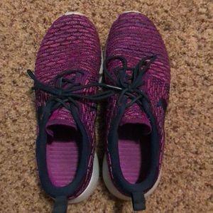 Roshe flyknits Nike women's running shoe